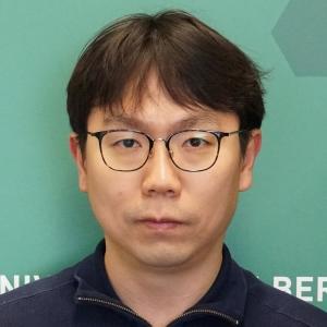 Ki Min, Hyeck
